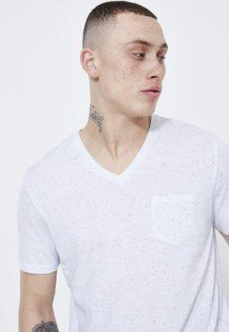 חולצת טי בייסיק עם צווארון וי