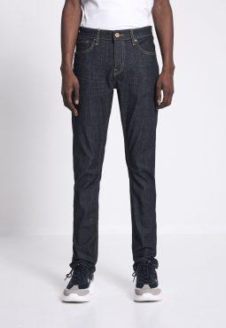 ג'ינס בגזרת C25 slim