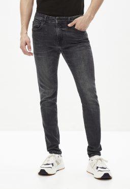 ג'ינס בגזרה צמודה סקיני, C45