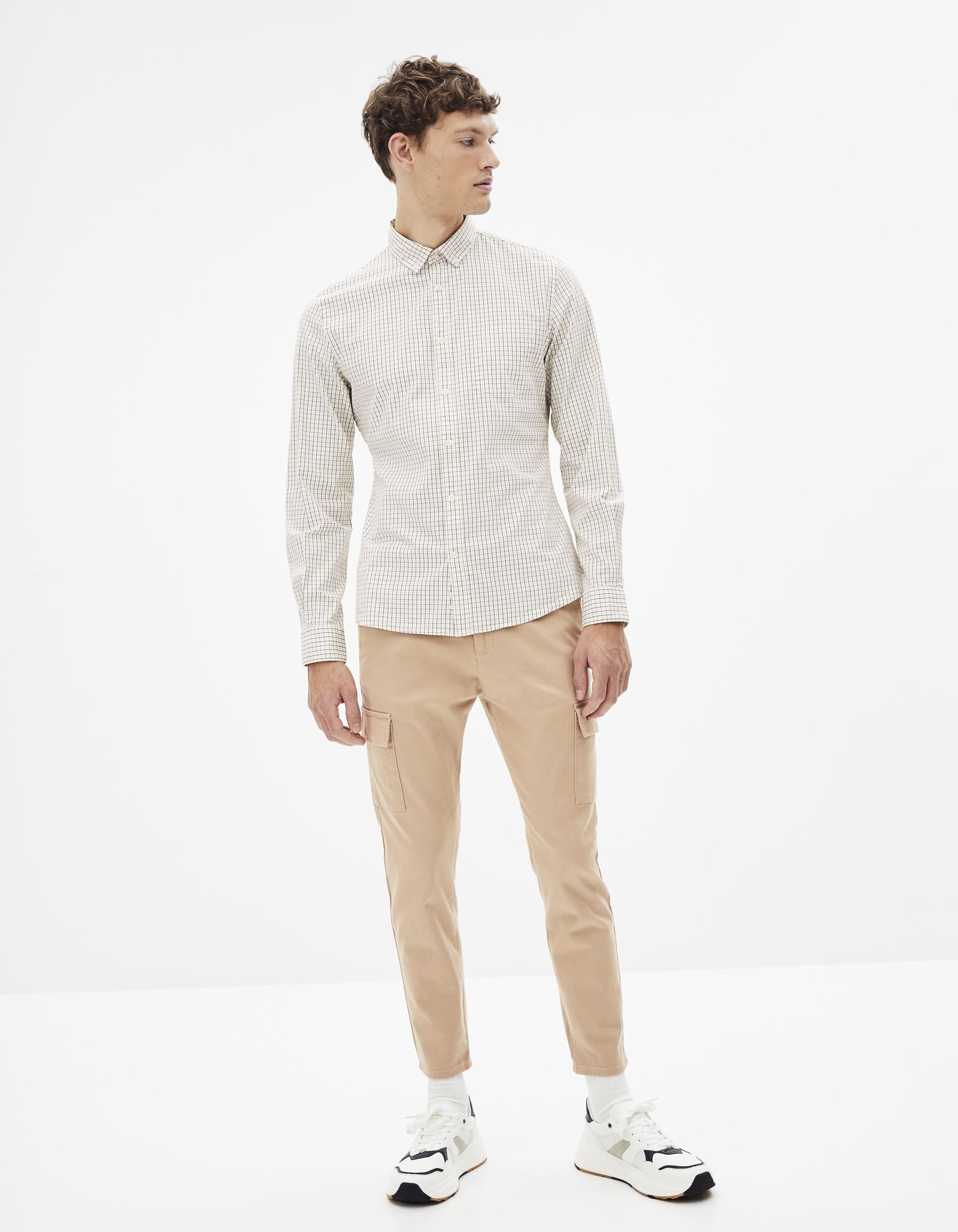 חולצה מכופתרת 100% כותנה, גזרה Slim
