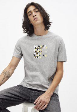 חולצת טי הדפס, צווארון עגול