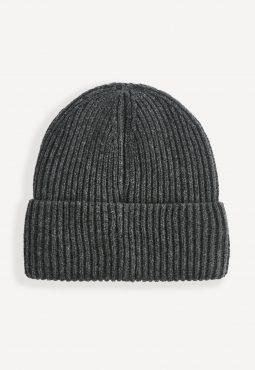 כובע צמר סריגה