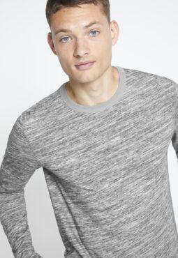 חולצת טי שרוול ארוך